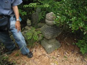久井町山中野石造物