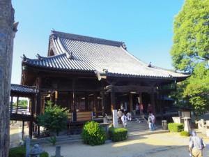 旗本戸川氏の菩提寺盛隆寺です
