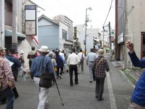 入川の南浜の道