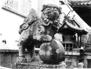 八坂神社の狛犬(左)