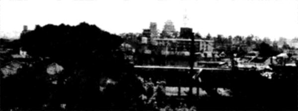 本庄圓照寺か福山城を望む