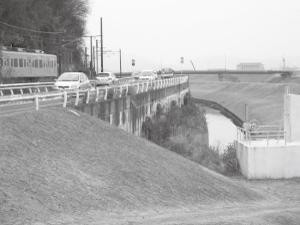 ③本庄町高崎の受口 少し上流には昔の取水口の跡がある。